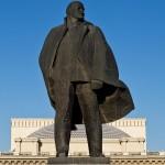 В Ново-Николаевске открыли памятник Императору Николаю II и цесаревичу Алексею.(Видео)** Истеричная реакция красно-советской гниды, недобитка Баранова на это событие.