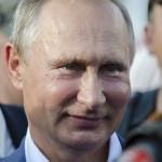 Путин старается не отстать от своего протеже Хирурга и тоже несёт феерическую дурь: Недавно он на полном серьёзе обсуждал стихотворение Лермонтова,которое тот никогда не писал, а теперь вот вписал Херсонес в Древнерусское государство.