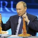 """""""Он или издевается или совсем в зазеркалье ушёл. Даже непонятно что хуже. Потому что если первое, то он мерзавец, а если второе, то идиот""""** Хуцпа: Путин вешает нам на уши несваренную лапшу. (Видео)"""