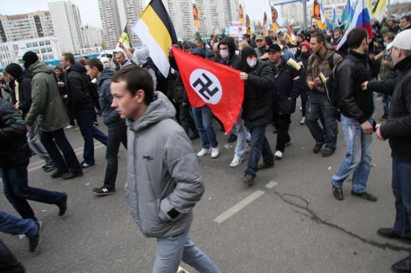 Куда побрел «Русский марш»?Кидаешь зигу – получишь фигу.