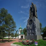 Иркутский коммунист потребовал снести памятник Колчаку.